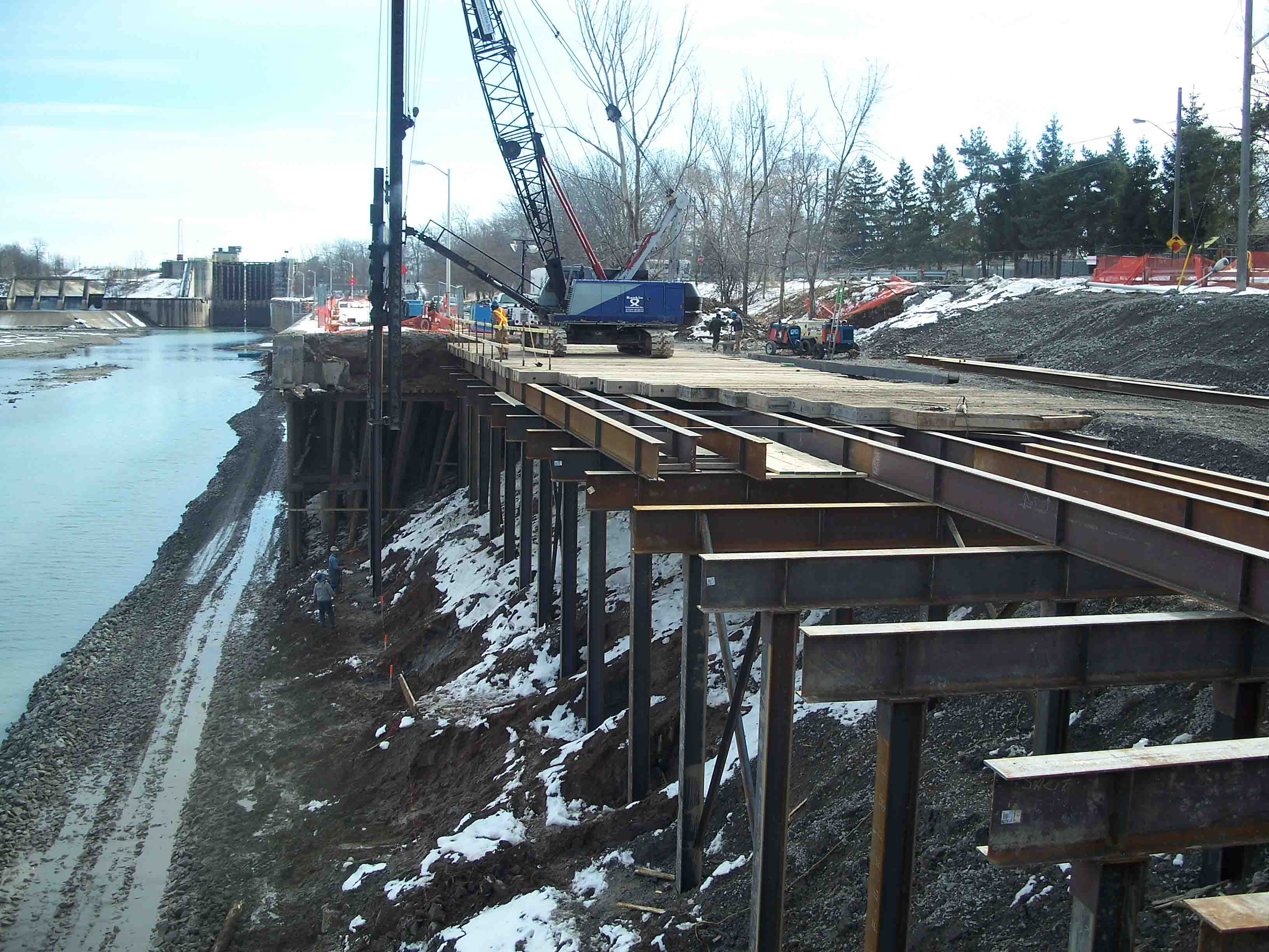 Welland Canal reach 1 tie up wall