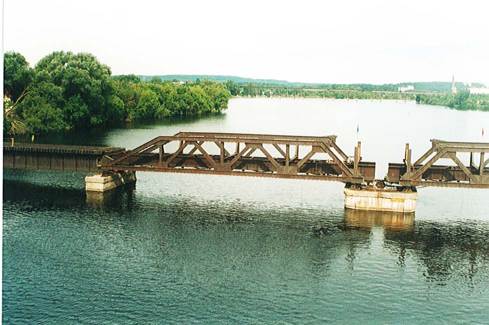 Two center trusses formed the swing section of the railroad bridge that was removed